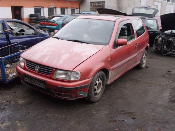 czerwony-samochod