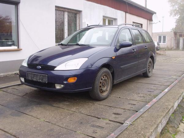 fioletowy-samochod