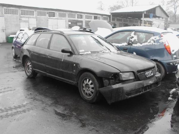 samochody-osobowe-na-parkingu03