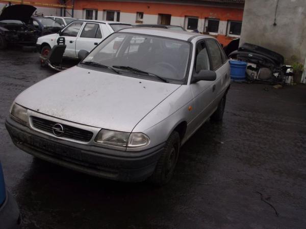 samochody-osobowe-na-parkingu05