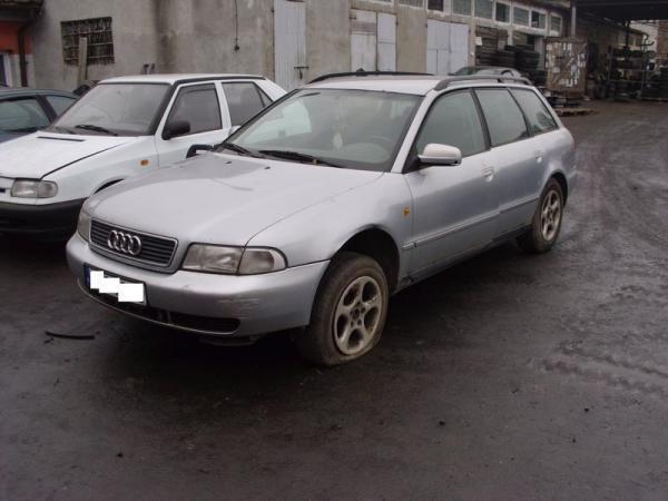 samochody-osobowe-na-parkingu10