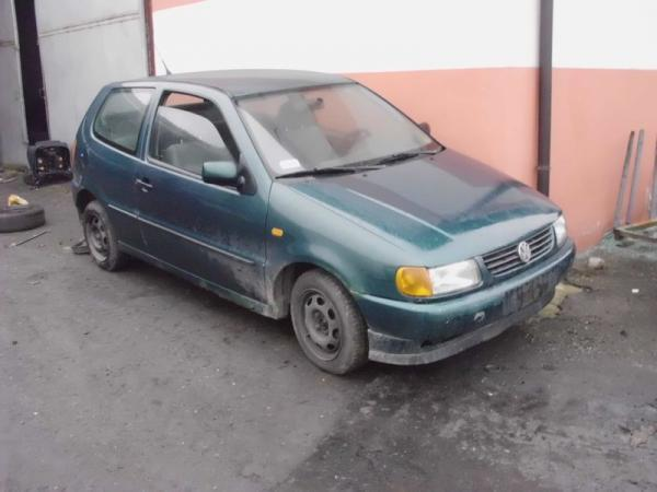samochody-osobowe-na-parkingu11