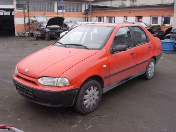samochody-osobowe-na-parkingu13