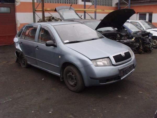 samochody-osobowe-na-placu02