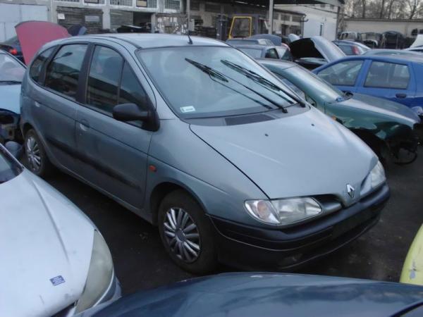 samochody-osobowe-na-placu04